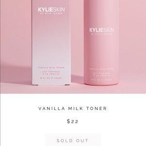Kylie Cosmetics Makeup - Kylie skin vanilla milk toner - unopened